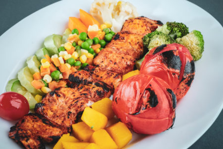 Healthy Mediterranean food is good for weight management. Mediterranean food aids in weight loss. I want to lose weight.
